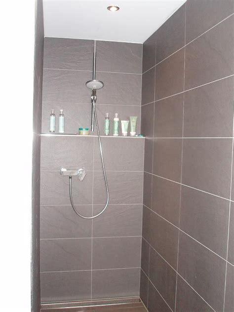 Schneckendusche Im Bad Einbauen by Gemauerte Ablage In Der Dusche Badezimmer Spa Shower