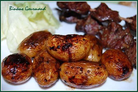 cuisiner pomme de terre grenaille brochettes de cœurs de canards gras et pommes de terres