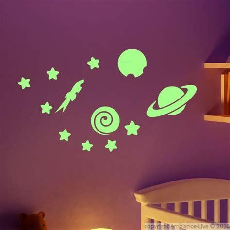 accessoires kinderkamer planeten muursticker glow in the dark sterren en planeten