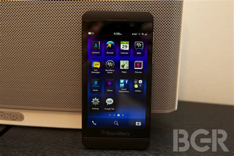 why buy the blackberry z10 best small phone not made by apple bgr