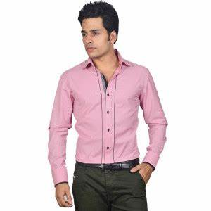 Mens fashion shirts tucked in or out - Style Jeans