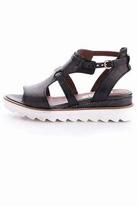 MJUS Miami Sandal from Canada by Walk the Coast — Shoptiques