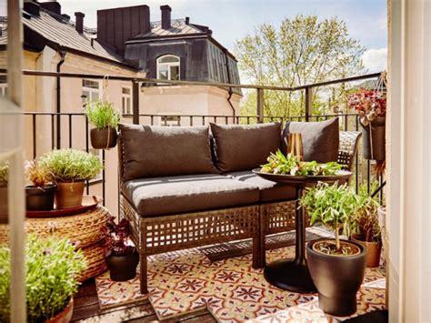 canapé de balcon petit balcon 10 aménagements gain de place