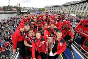 Thousands flocked to see Bristol City celebrate League One ...