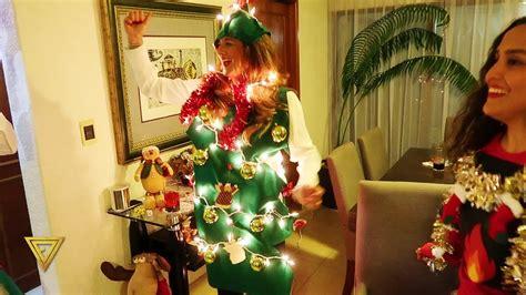 Se toman todos de las manos y uno por uno trata de meterse debajo de las manos. Dinamicas Para Navidad - ¡Prepara tu galleta de jengibre! 🍪🎄 — Dinámica de Navidad ... - truth ...