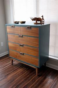 Mid Century Möbel : passend zur wandfarbe mid century dresser blue sold ~ A.2002-acura-tl-radio.info Haus und Dekorationen
