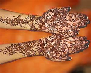 Traditional Wedding Mehndi for Hand and Fingers | ShePlanet