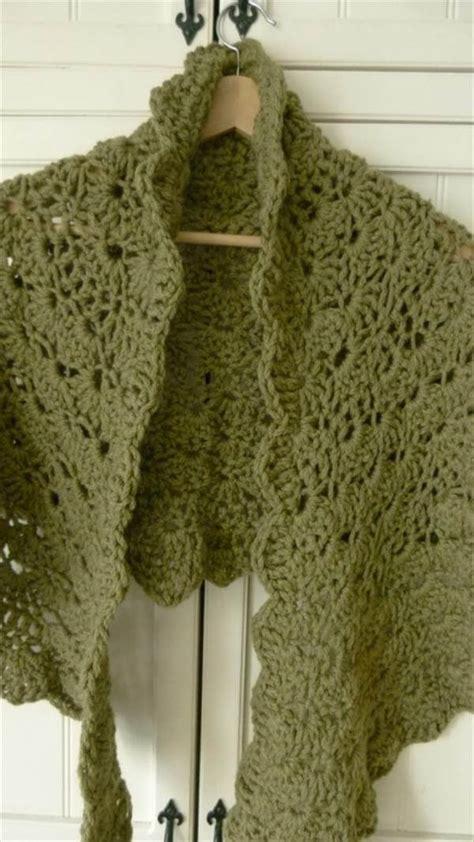 free crochet shawl patterns 15 diy free crochet shawl patterns 101 crochet