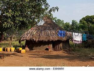 Anuak Traditional Hut In Abobo, The Former Anuak King ...