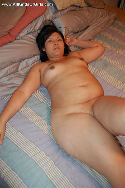 Filipina Bbw Milf Spreading Just To Expose Golden Bbw