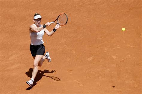 Madrid Open: Simona Halep's run ended by Karolina Pliskova - BBC Sport