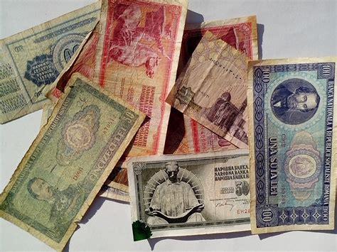 picture vintage money bills banknotes europe