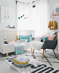 1001 idees pour une chambre bebe en bleu canard des With tapis chambre bébé avec coussin de fleurs