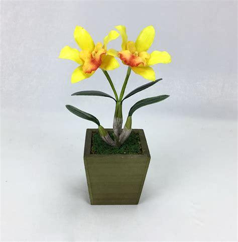 กระถางดอกกล้วยไม้ประดิษฐ์ สำหรับวางตกแต่งบนโต๊ะ