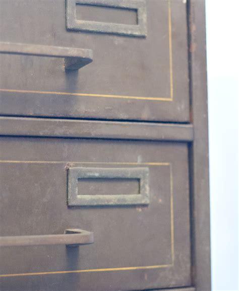 casiers de rangement bureau casier m 233 tal de rangement pour bureau cadeau maestro