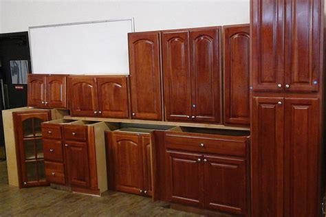 cabinets     habitat  humanity restore