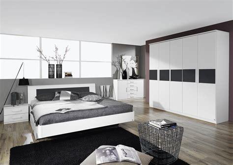 chambres adulte chambre adulte blanche chambre adulte en blanc et bois