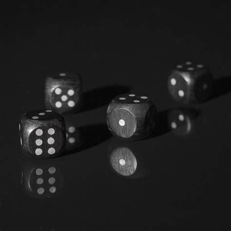 agon alea mimicry ilinx il poker  le quattro