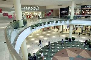 Retailers go into 2017 with plans to close more ...