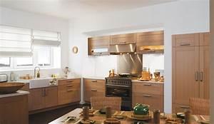 cuisine equipee en chene massif modele serenite With modeles de cuisines equipees