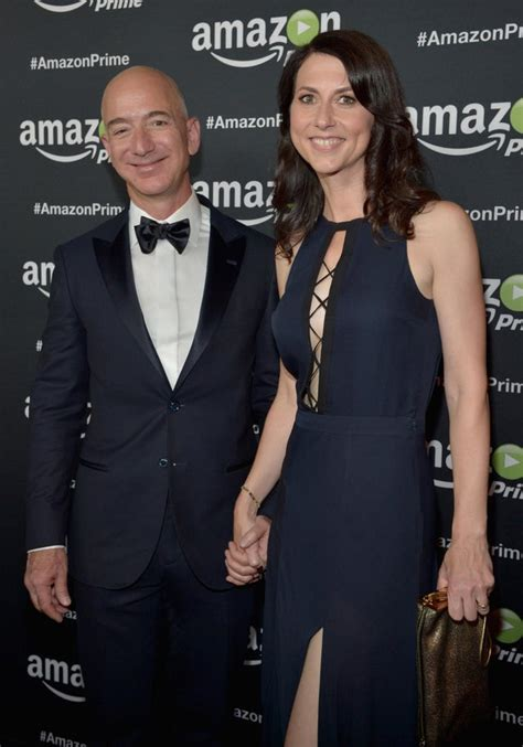 Jeff Bezos Wife Donates Money : Mackenzie Scott Jeff Bezos ...