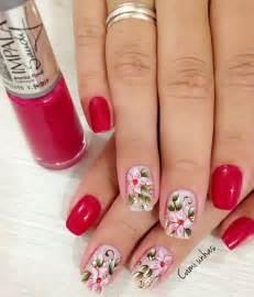 HD wallpapers unhas vermelhas decoradas com flores