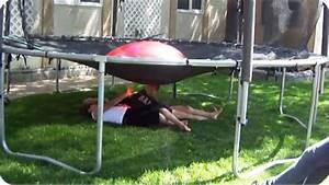 Prix D Un Trampoline : ballon d 39 eau sur un trampoline ~ Dailycaller-alerts.com Idées de Décoration
