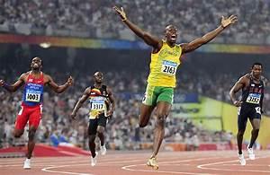 Bolt's World-Record 200m Run   SI.com