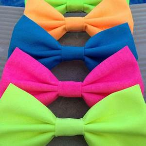 NEON hair bow bow tie green yellow from kaelisAccessories on