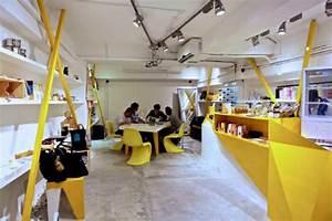 Boutique Gadget Paris : asymmetrical and acid yellow storefront for konzepp urbanist ~ Preciouscoupons.com Idées de Décoration