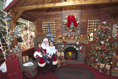 santa claus arrives  vista ridge mall news