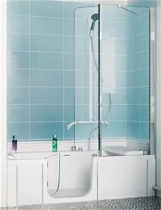 duo de kinedo une baignoire douche pour toute la famille With baignoire douche a porte
