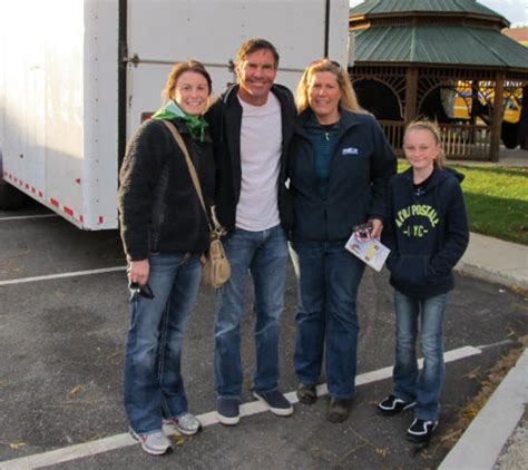 dennis quaid and zac efron fan photos of zac efron and dennis quaid on the set of