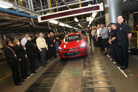 Car Parts Ellesmere by Five Millionth Car Rolls Vauxhall Production Line In