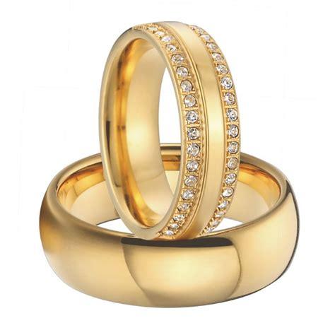 couple wedding rings luxury