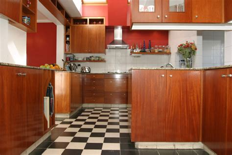 peindre cuisine melamine merveilleux peindre des portes de placard en melamine 8
