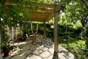 Garden Oasis Patio with Pergola
