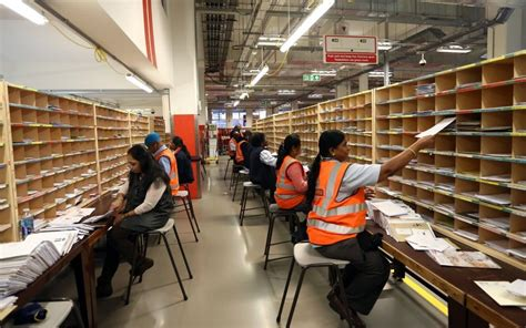 Office Mail by Royal Mail Lon Rmg Price Still In Free Fall As
