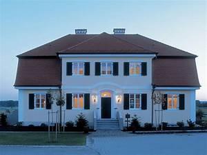 Haus Mit Fensterläden : traditionelle landhausvilla in 2019 architecture ~ Eleganceandgraceweddings.com Haus und Dekorationen