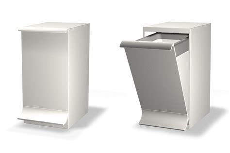 poubelle bureau design qube poubelle de salle de bains et sanitaire nos