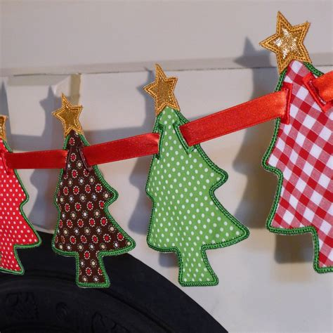 christmas tree banner machine embroidery   hoop project