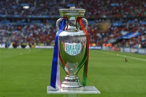 finale de la coupe uefa suivez en direct la finale de l 2016 entre la