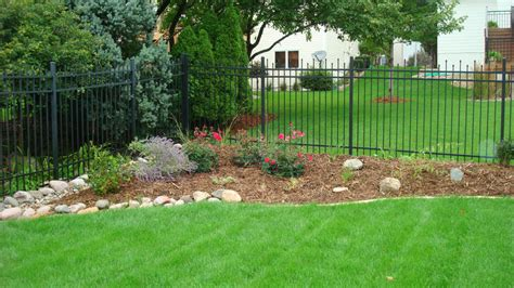 Create Your Beautiful Gardens With Small Backyard