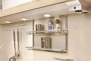 Luminaire Sous Meuble Cuisine : eclairage sous meuble cuisine pile ~ Teatrodelosmanantiales.com Idées de Décoration