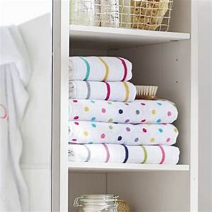 Confetti dot bath towels pbteen for Pottery barn teen bathroom