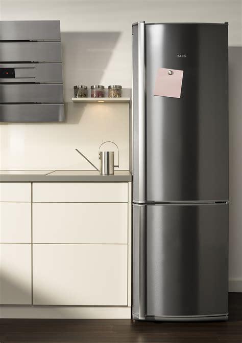 kühlschrank und gefrierkombination aeg k 252 hl gefrierkombination ab 185cm h 246 he elegante frischetheke aus edelstahl electrolux