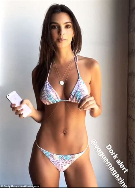 Emily Ratajkowski shows off flat midriff on Instagram ...