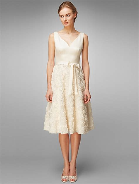 Stunning Casual Summer Wedding Dresses To Inspire You. Tea Length Wedding Dresses For The Mature Bride. Wedding Dress Short Sale. Summer Western Wedding Dresses. Casual Wedding Dresses White. Vintage Style Wedding Dresses Lace Uk. Jessica Mcclintock Beach Wedding Dresses. Wedding Dresses With Sleeves For Older Brides. Sweetheart Gowns Wedding Dresses
