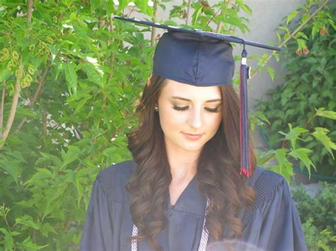 hairstyles for graduation to show your confidence