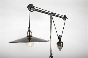 Lampe Haute Sur Pied : lampadaire sur tr pied en laiton argent balancier et abat jour disque ~ Teatrodelosmanantiales.com Idées de Décoration